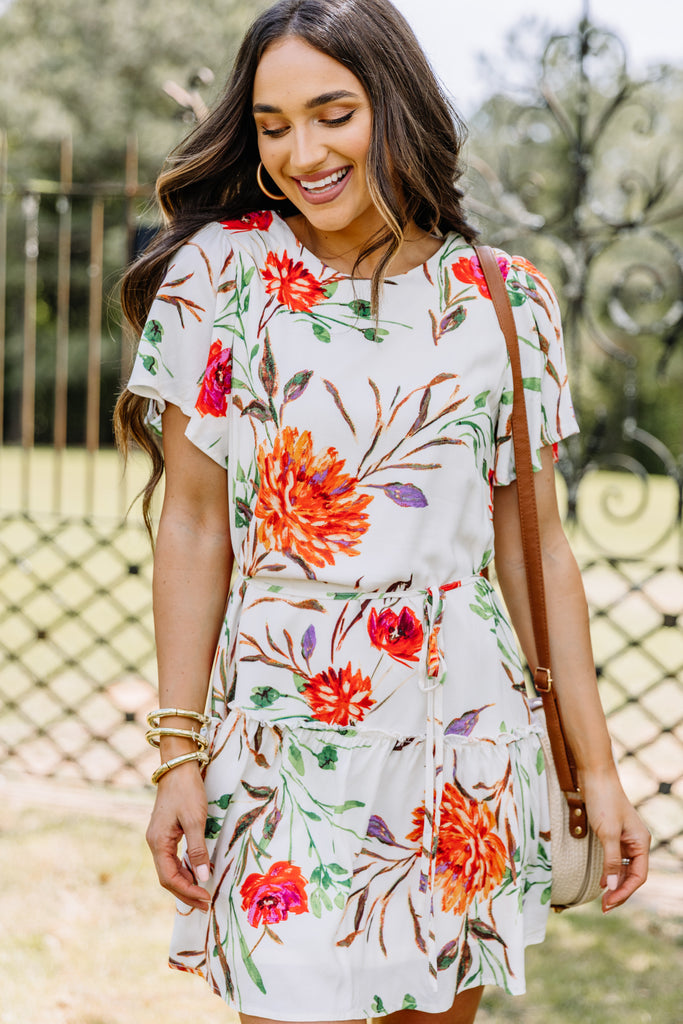 short sleeves, floral print, dress, ruffles, round neckline, vibrant