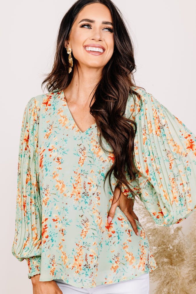 floral pleated sleeve blouse