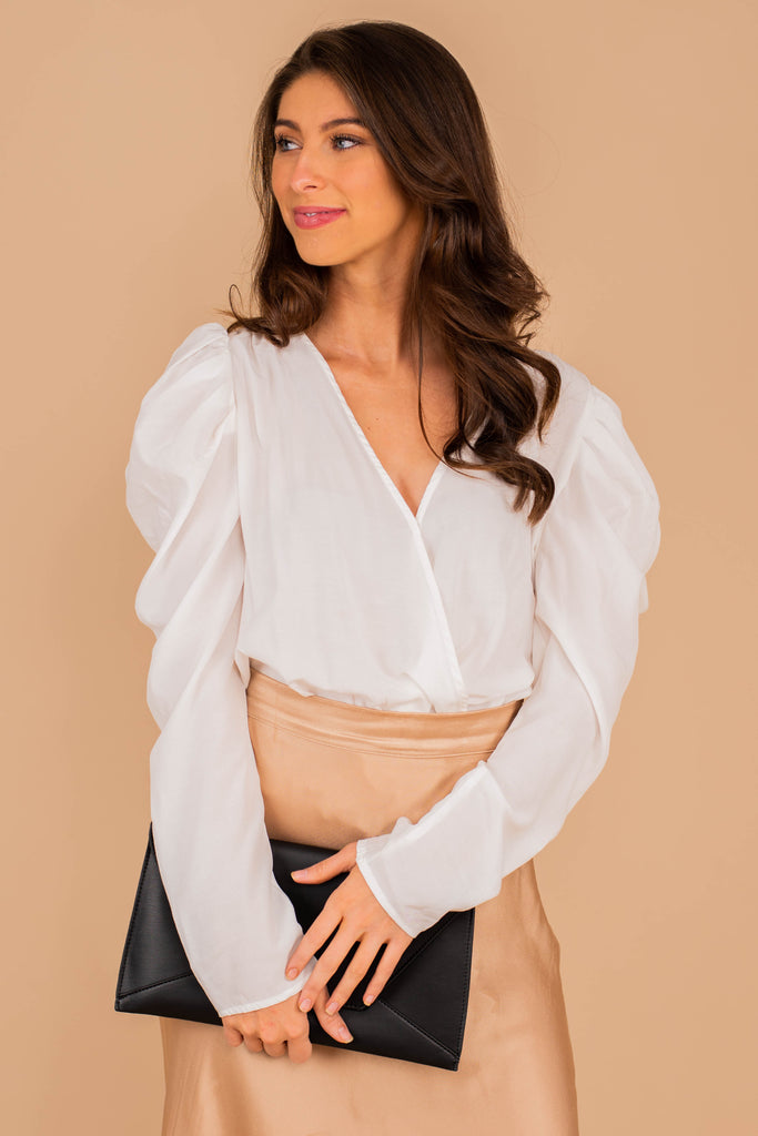 long, bubble shoulder sleeves, v-neck