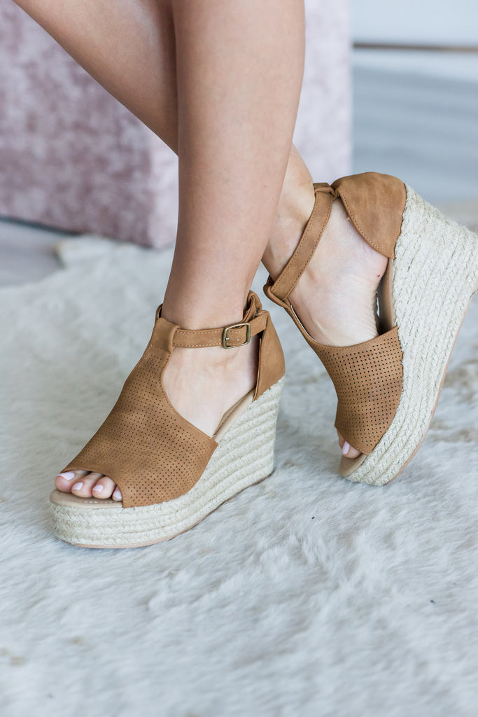 Looking For You Wedges, Tan