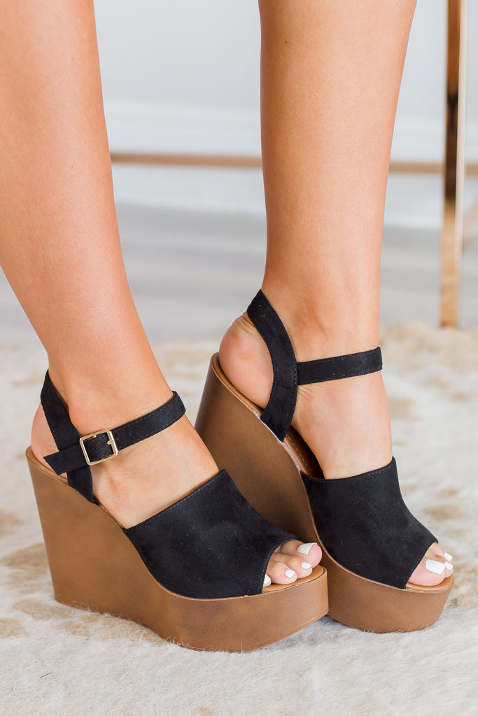 shoes, wedges, solid, solid wedges, black, black wedges, heels, black heels, summer, summer wedges, fall, fall wedges, chic, trendy, comfy, work, night out