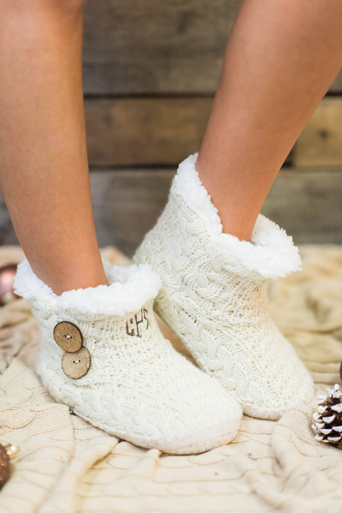 shoes, booties, slippers, sleepwear, house shoes, cozy, warm, christmas, holiday, trendy, fuzzy, ivory, white, fur, furry, snuggle