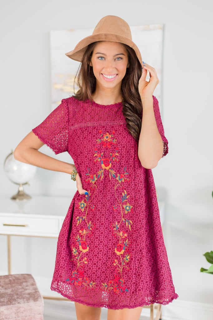 dress, short sleeve, short sleeve dress, embroidery, embroidered dress, red, red dress with embroidery details, elegant dress, elegant details, classy, classy dress, mid thigh, mid thigh dress, date night, wedding, night out, work