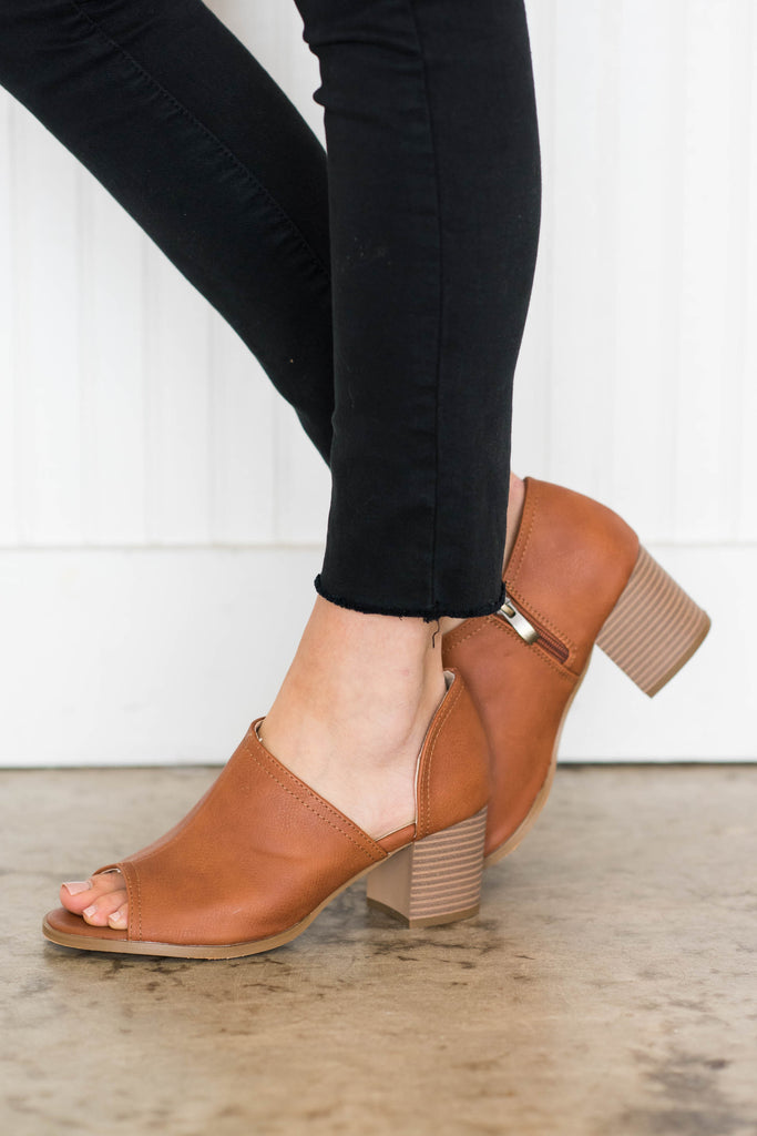 shoes, booties, heels, cognac, brown, tan, chic, short heel, sandals, open toed, trendy, fall, winter, solid, everyday, neutral, cutout, zipper