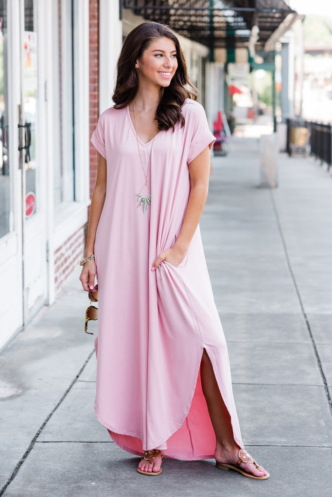dress, maxi dress, solid, solid maxi dress, pink, pink maxi dress, summer maxi dress, vacation maxi dress, fall maxi dress, floor length, slit, trendy, easy to style, v neck, v neck maxi dress