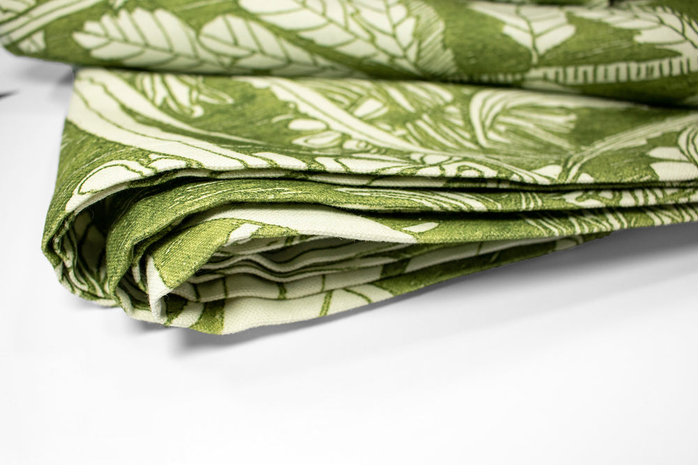 green foliage tablecloth wanderland