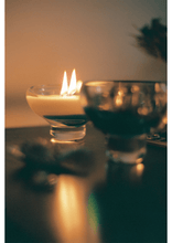 Load image into Gallery viewer, Emerald candle