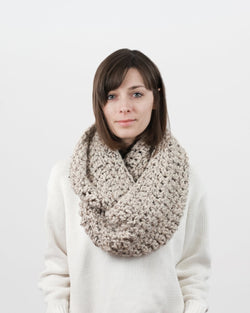 Crochet Pattern | Chunky infinity scarf, easy crochet pattern, beginner crochet, easy scarf