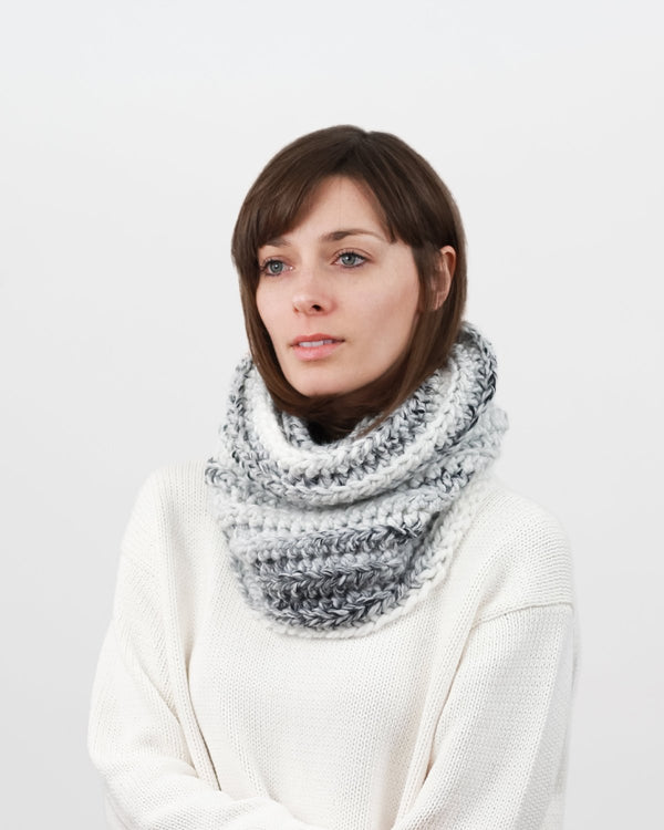 Cowl Scarf Crochet Pattern. Easy pattern for beginners. Ribbed Cowl Scarf by Forefolk