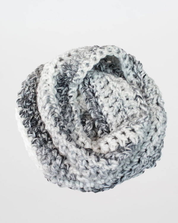 Crochet Pattern | Chunky infinity scarf, easy crochet pattern, beginner crochet, easy scarf by Forefolk