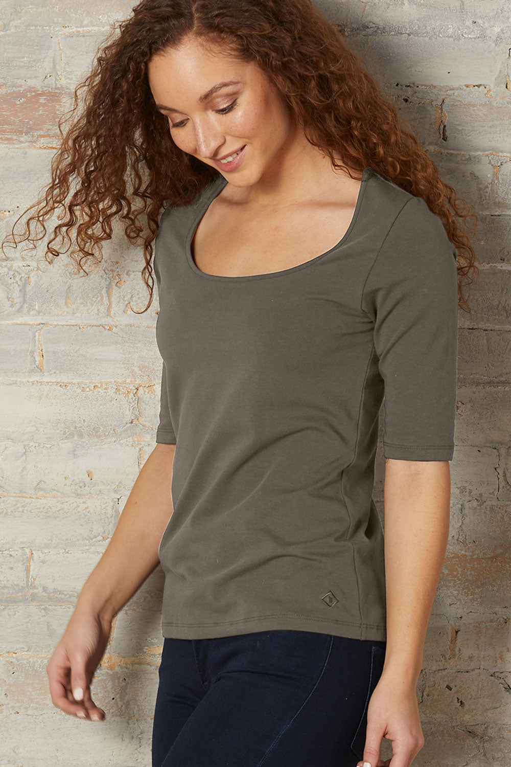 Elbow Sleeve Scoop Neck Tee