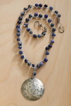imagine-jewelry-womens-usa-made-silvery-moon-sodalite-crochet-necklace