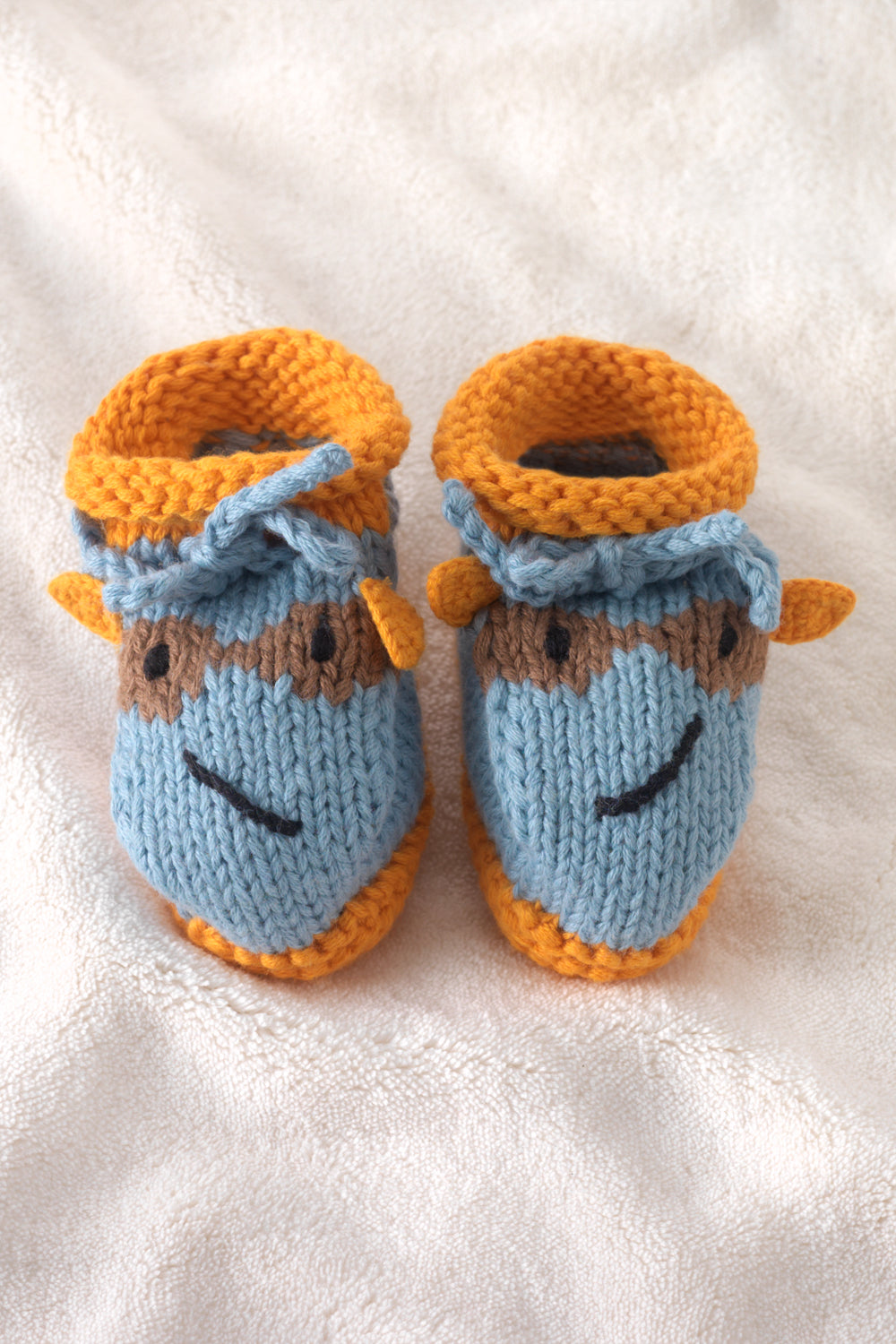 joobles-fair-trade-organic-baby-booties-racky-the-raccoon