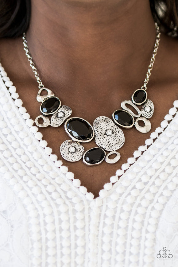 Grotto Grandeur - Black - Short Necklace