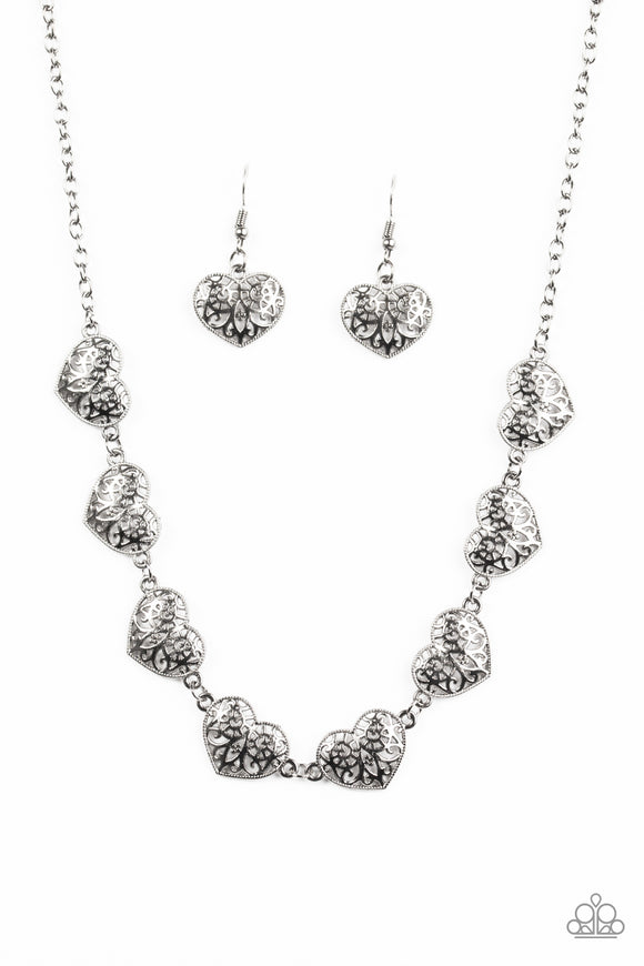 Easy To Adore - Gunmetal - Short Necklace