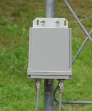 Load image into Gallery viewer, LDG, ldg-rt100, antenna tuner, flagpole antenna, vertical antenna, stealth, hoa, ham radio
