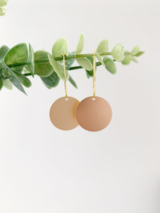 GOLD CIRCLE CHARM EARRINGS