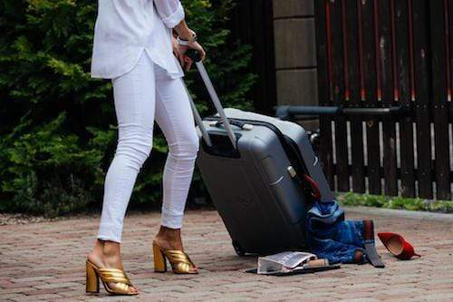 8 situations where your luggage is at risk - luggage
