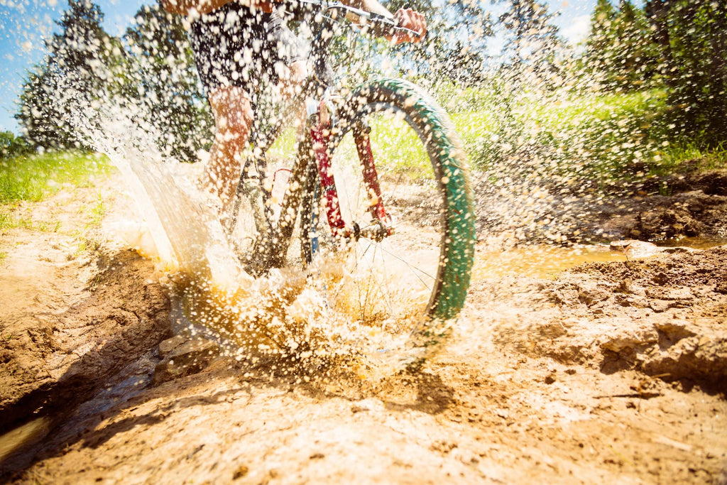 ride-bike-in-mud