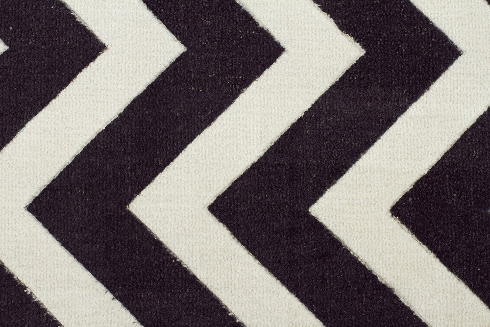 City Chevron Design - Black White