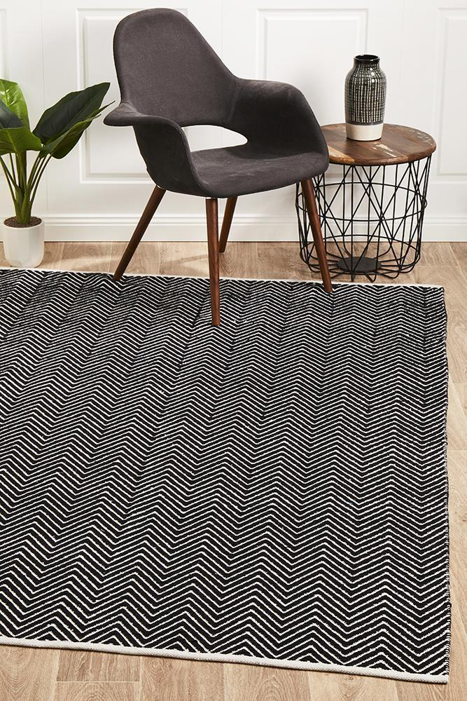 Spirit Chevron - Black