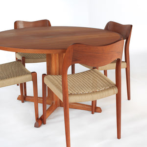 Niels Otto Møller Dining Set Model 71 Chairs with Matching Møller Table