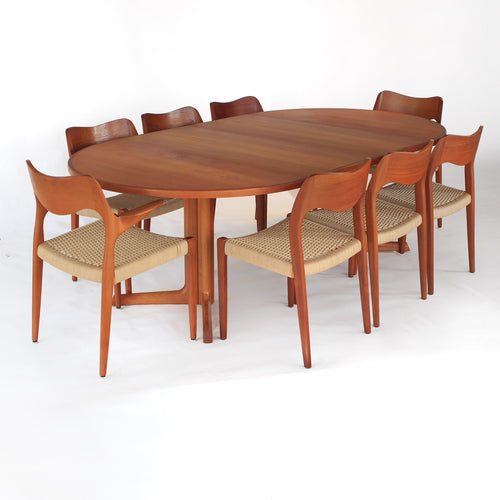 Niels Otto Møller Dining Set Model 71 and 55 Chairs with Møller Table