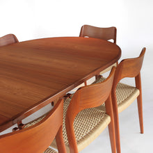 Load image into Gallery viewer, Niels Otto Møller Dining Set Model 71 and 55 Chairs with Møller Table