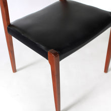 Load image into Gallery viewer, Møller Model 71 Chair