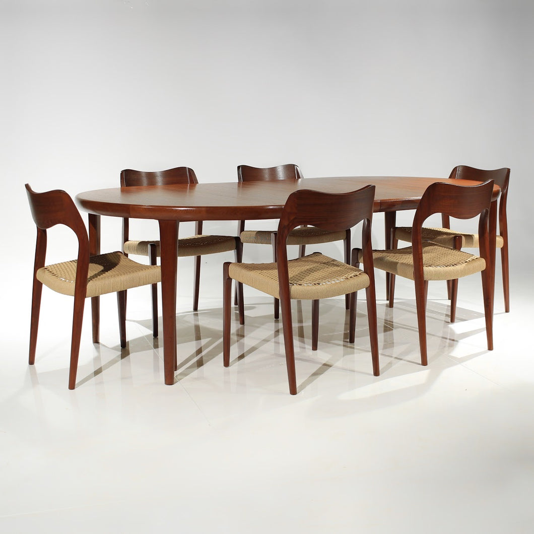 Niels Møller and VV Møbler Dining Set