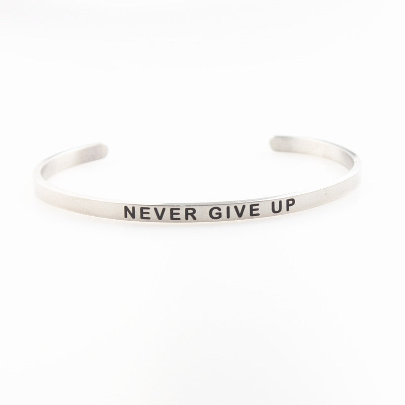 NEVER GIVE UP Bracelet