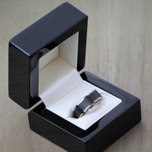 Titanium & Carbon Fibre Wedding Ring with FREE engraving! 6mm or 7mm