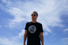 Load image into Gallery viewer, Mucho Aloha - Circle Logo Tee Black