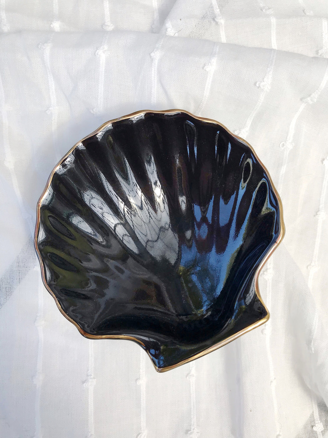 Black Shell Ceramic Dish - Storytellers Workshop