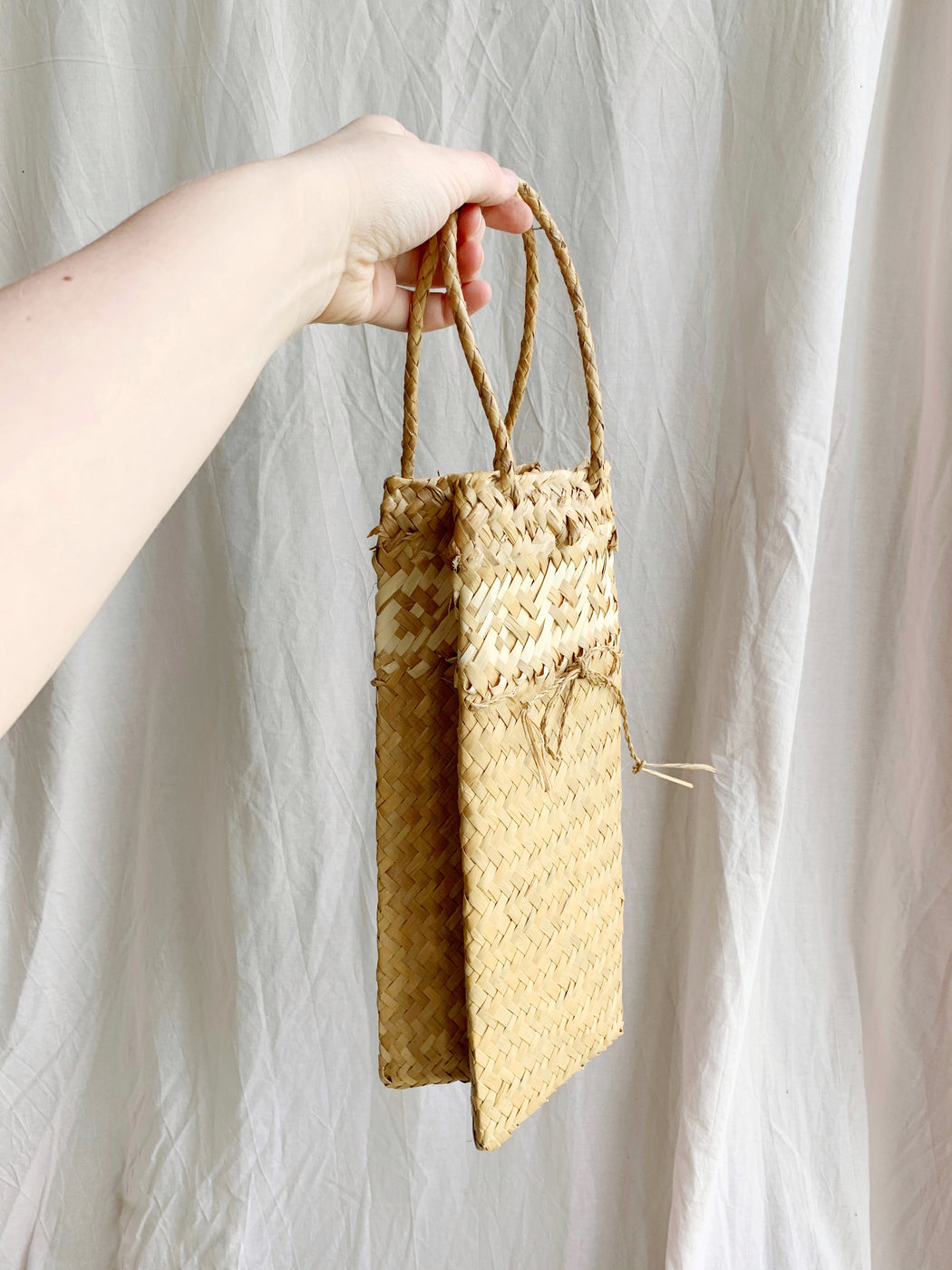 Cane Wine Carry Bag - Storytellers Workshop