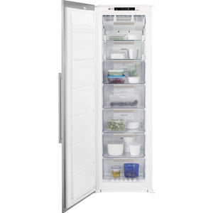 Electrolux (EUX2245AOX) A++, 220L, Integrated Freezer