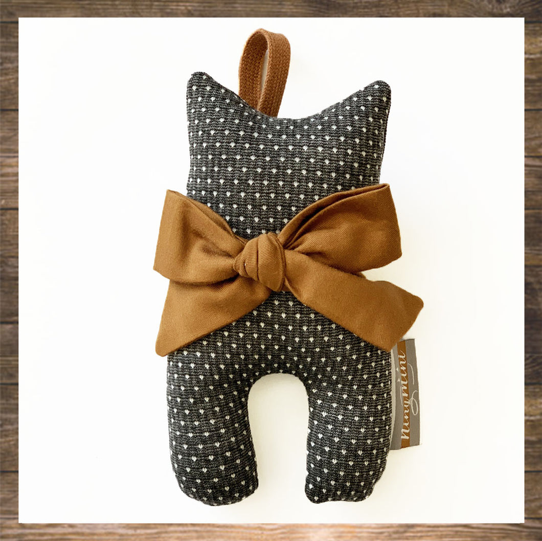 Cuddly cat rattle toy Cute Bow Handmade Hong Kong NinyMini