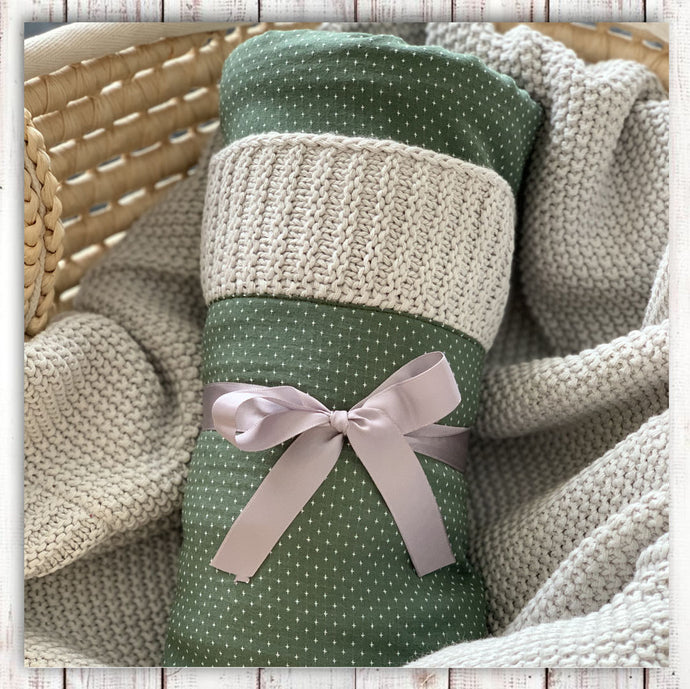 knitted blanket grey with kaki cross pattern niny mini Hong Kong baby clothes baby hamper gift