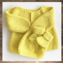 Load image into Gallery viewer, New Born and Baby Cardigan Botties beanie hand knitted Made in France soft confortable