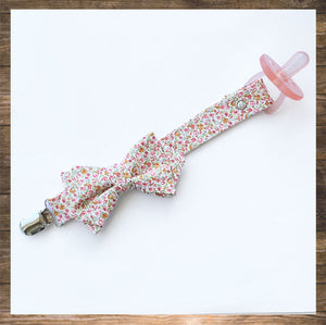 Pretty Pacifier-Clip-Holder-Handmade-hong Kong-NinyMini