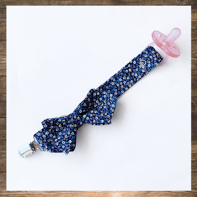 Pretty Pacifier Clip  Holder with Bow Handmade hong Kong NinyMini