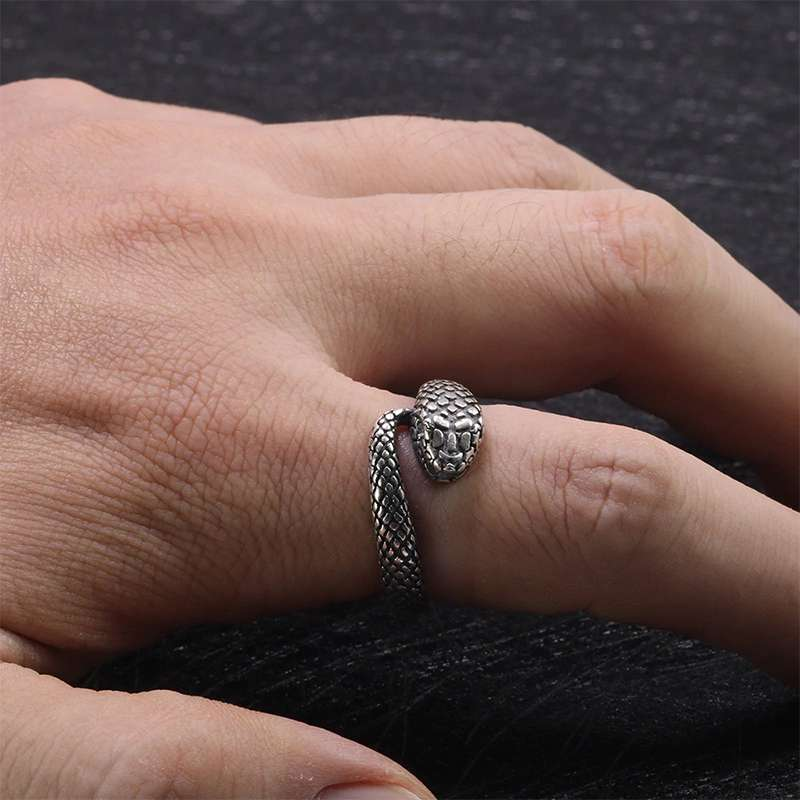 SNAKE RING - ANTIQUE
