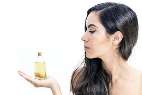 argan oil to moisturize hair