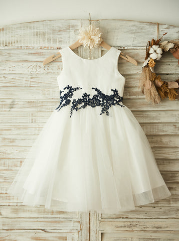 products/classic-flower-girl-dress-tulle-flower-girl-dress-with-appliques-fd00085-1.jpg