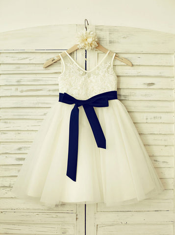 products/white-flower-girl-dress-lovely-flower-girl-dress-flower-girl-dress-with-sash-fd00119-1.jpg