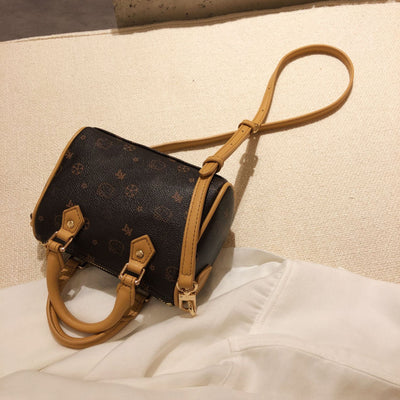 Kitty Classic Leather Handbag