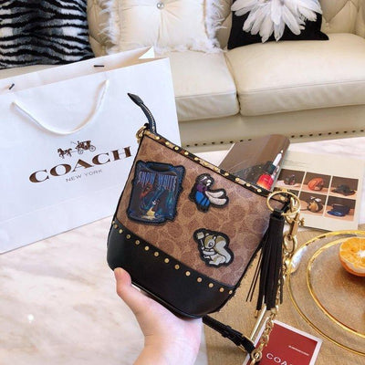 Fashion Leather Badge Chain Shoulder Bag *Limited Edition -  - ustreetstyle