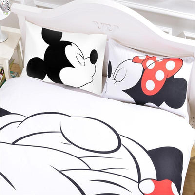 Mickey Kiss Minnie Bedding Set - Accessories - ustreetstyle