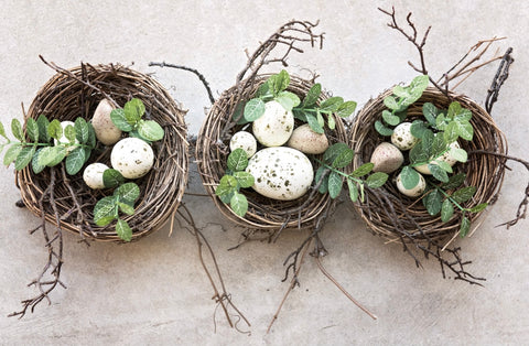 Sustainable easter nests with eggs