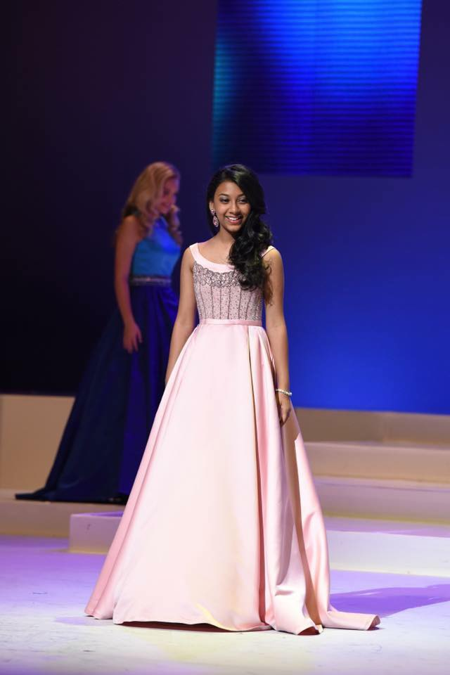 International Junior Miss PRETEEN 2016 - Evening Gown